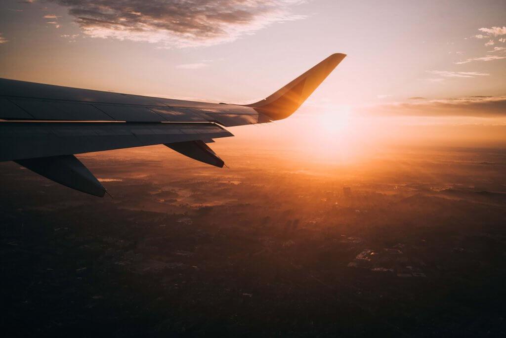 Du học Đức: Mua vé máy bay