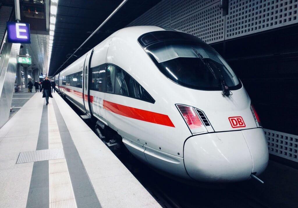 Nước Đức và những chuyện trời ơi đất hỡi: Deutsche Bahn, Funkloch, BER